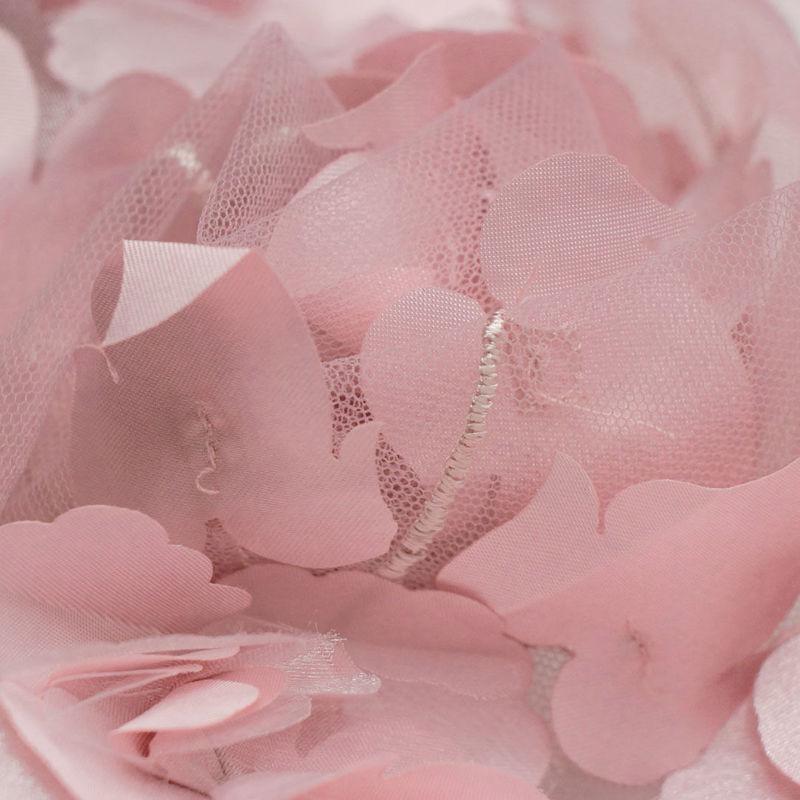 گل شکوفه حاشیه دار کالباسی