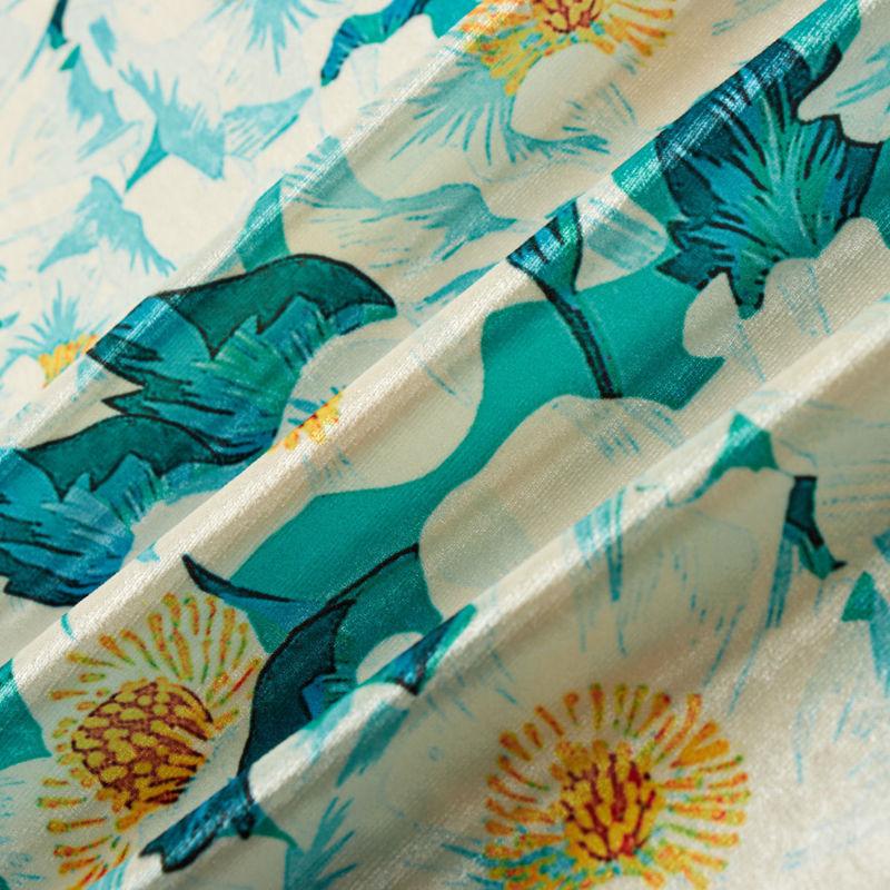 مخمل طرح برگ زنبق آبی