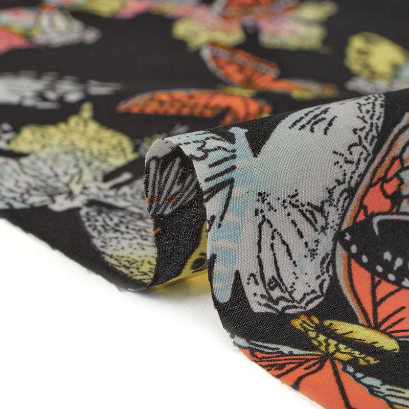 پارچه کرپ شرمن پروانه مشکی