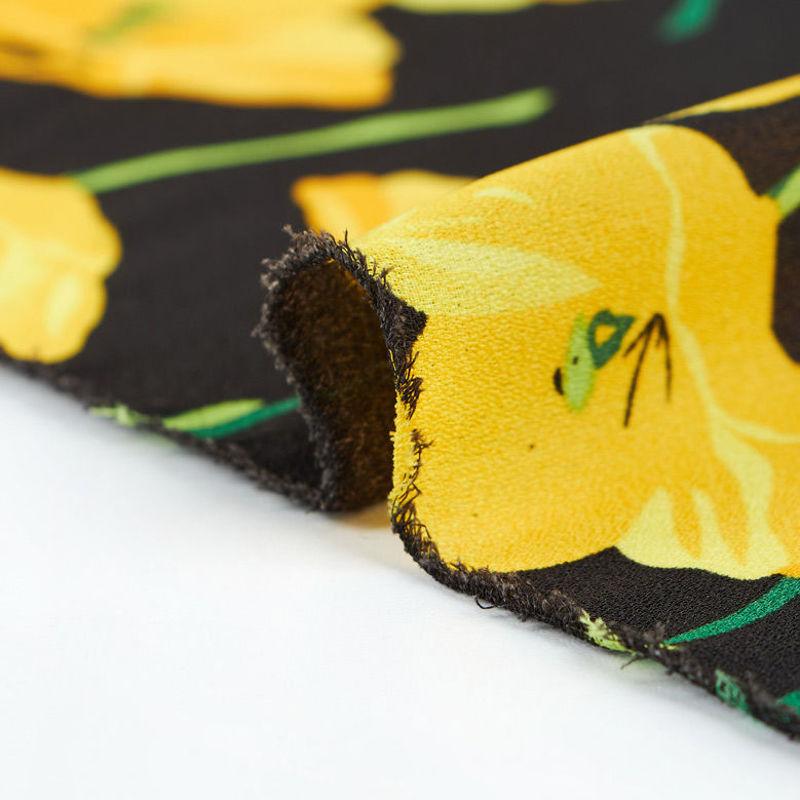 پارچه کرپ ژرژت گل شقایق زرد